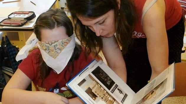 Markéta Vítková vydala novou knihu pro děti s názvem Narozeninová kočka.