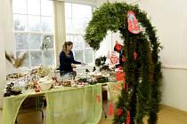 Vánoční výstava studentů Střední školy vizuální tvorby Hradec Králové v Jiráskových sadech.