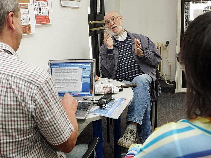 Z očí do očí: setkání čtenářů a Hradeckého deníku ve středu 28. dubna 2010.