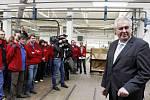 V roce 2014 přijel prezident Zeman na třídenní návštěvu, při které navštívil také  výrobu firmy Petrof na výrobu klavírů a pianin.