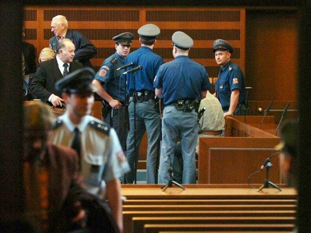 U Krajskéhadci Králové pokračuje hlavní líčení s obžalovaný Petrem Zelenkou v kauze heparinových vražd.