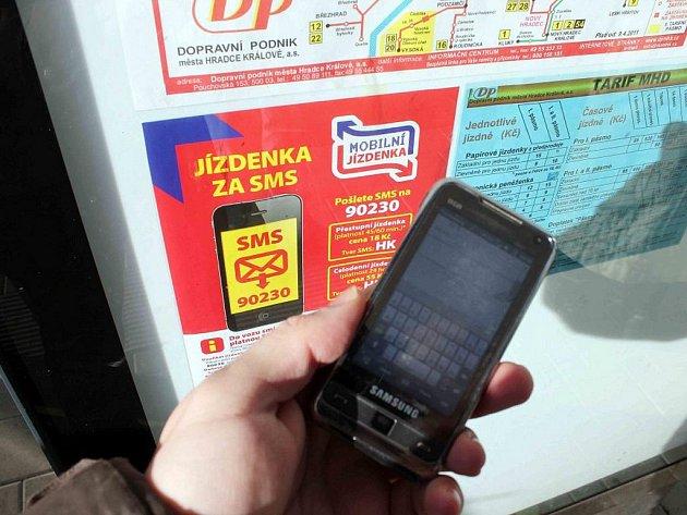 Jízdné lze platit také mobilním telefonem, a sice pomocí SMS.