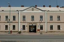 Městský úřad v Chlumci nad Cidlinou.