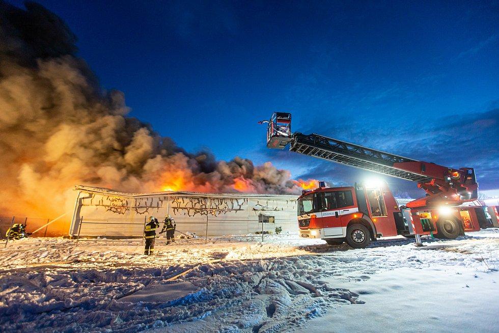 Požár v Sendražicích u Hradce Králové.