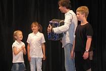 Děti na Lovčickém zvonečku.