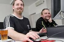 On-line rozhovor s kapelou Divokej Bill ve čtvrtek 11. března 2010 v Hradeckém deníku.