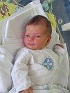 LUCIE HANUŠOVÁ se narodila 6. srpna v 16.45 hodin. Měřila 51 cm a vážila 3060 g. Velkou radost udělala rodičům Martině a Vladimíru Hanušovým ze Sloupna. Doma se těší i bráška Ríša.
