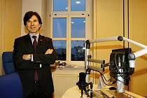 Americký velvyslanec Andrew H. Schapiro na návštěvě Českého rozhlasu Hradec Králové.