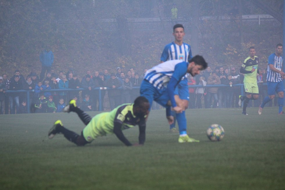 Osmifinále fotbalového MOL Cupu: FK Chlumec nad Cidlinou - FC Viktoria Plzeň.
