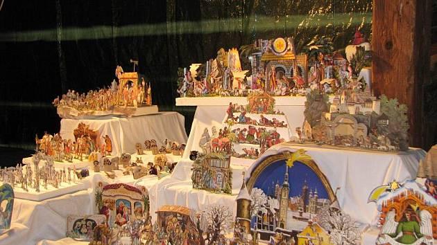 """Šrámkův statek v Pileticích při předvánočním programu """"Vánoční těšení aneb Malý advent"""" (prosinec 2010)."""