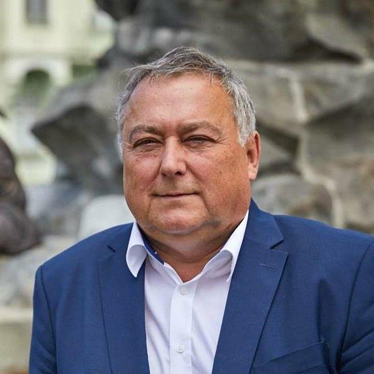 Ivan Adamec (Občanská demokratická strana + STAN + Východočeši), 60 let