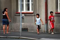 V Hradci Králové nejsou s Romy vážnější problémy. Jinde mají radnice jiné zkušenosti.