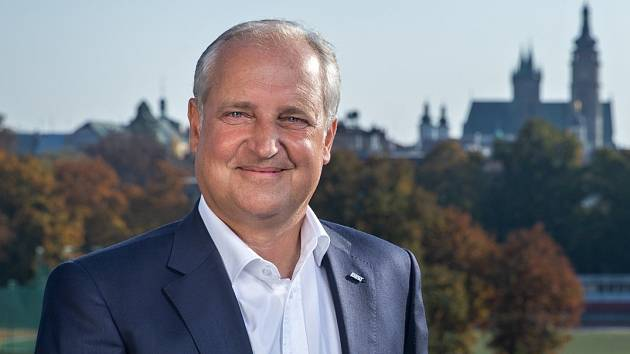 KDO PŘEVEZME KLUB? Místopředseda představenstva FC Hradec Králové Milan Přibyl se snaží městu pomoci s výběrem nového majitele klubu.