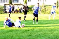 Krajská fotbalová I. B třída, skupina A: TJ Lokomotiva Hradec Králové - FK Chlumec nad Cidlinou B.