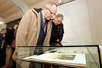 Vernisáž výstavy výtvarných děl Františka Kupky v Muzeu východních Čech v Hradci Králové