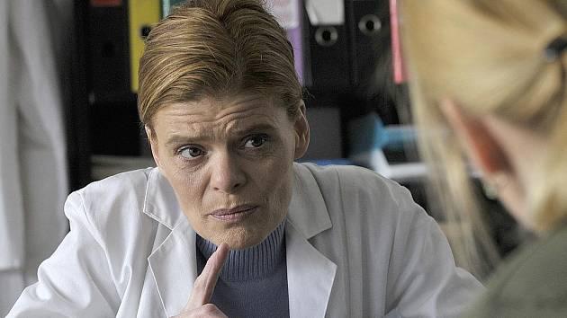 Zuzana Bydžovská ve filmu Mamas a Papas.