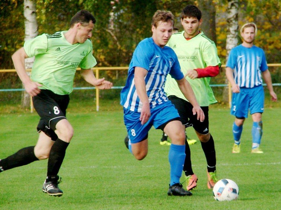 Okresní fotbalová CK Votrok III. třída: Lovčice - Prasek.