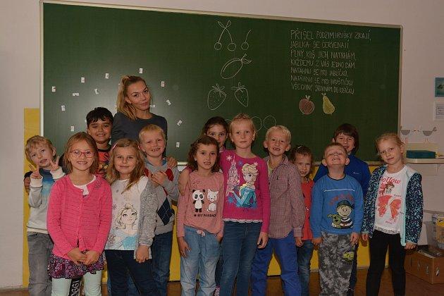 Žáci 1.B ze ZŠ Habrmanova vHradci Králové.