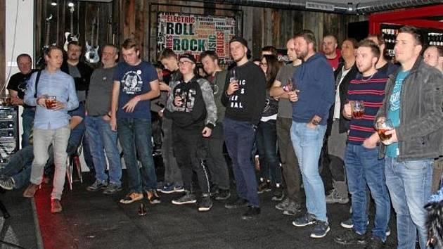 Hudební kluby bojují o přežití.