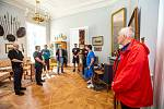 Kandidáti na hejtmana v Královéhradeckém kraji na návštěvě zámku v Kostelci nad Orlicí