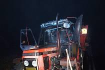 Požár traktoru v Kobylicích.