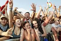 Z festivalu Rock for People na královéhradeckém letišti.