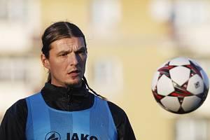 Fotbalista Adrian Rolko.