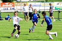 Nejlepším hráčem turnaje byl vyhlášen hradecký Tomáš Sokol (s míčem). I on však musel skousnout prohru ve finále.