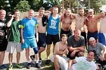 Vzpomínkový turnaj v malé kopané v areálu hradecké ZŠ Pouchov.