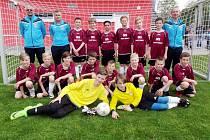 Výběr Okresního fotbalového svazu Hradec Králové kategorie U-12 během venkovních přeborů KFS v areálu Slavie Hradec Králové.