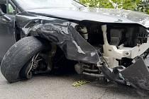 """Popis fotky: Nehoda - ilustrační foto - Nehoda - ilustrační foto.<body xmlns=""""http://newsml.ctk.cz/ns/ctkxhtml.xsd""""><p>    Černožice (Královéhradecko) - Při dopravní nehodě u Černožic na Královéhradecku dnes dopoledne zemřeli tři lidé. Silnice I/33 je uza"""