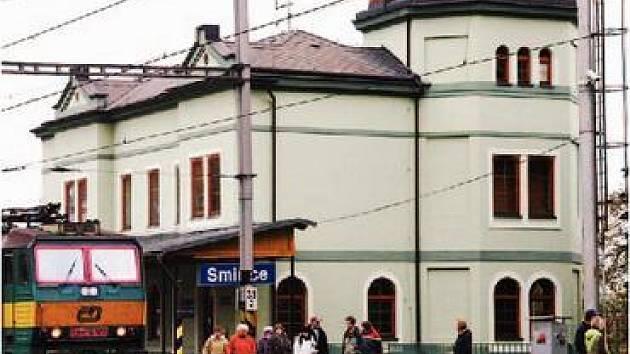 Vlakové nádraží ve Smiřicích.
