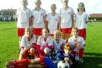 Dívčí fotbalová přípravka FC Hradec Králové.