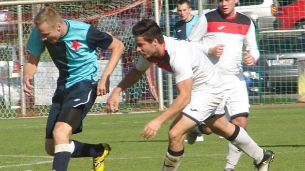 Krajský přebor ve fotbale: FC Slavia Hradec Králové - TJ Sokol Třebeš.