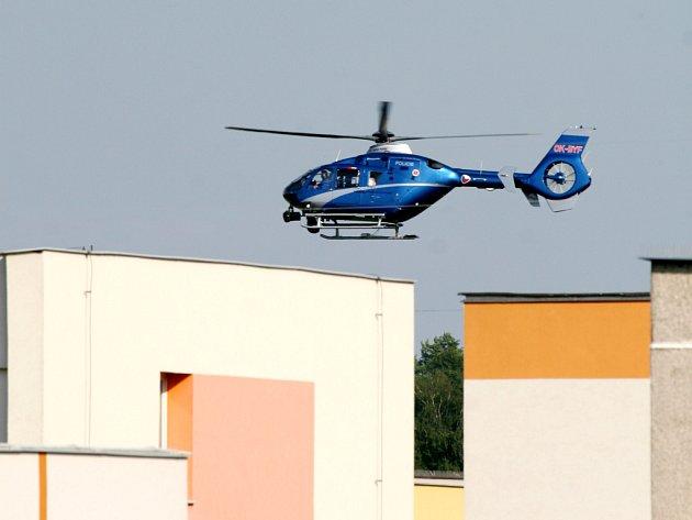Policejní vrtulník s termovizí v akci.