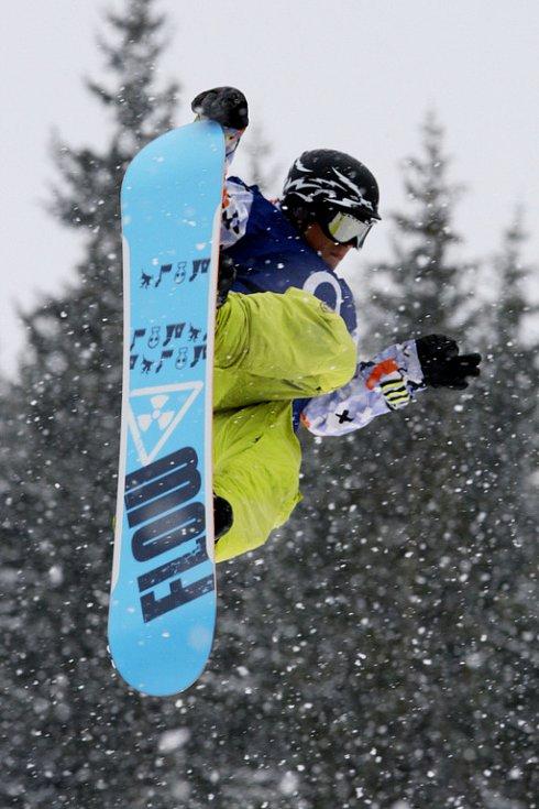 Po roční odmlce se opět konají největší freestylové snowboardové závody v České republice. Tříhvězdičkový TTR contest Quiksilver Snowjam O2 Snowboard Tour  v Peci pod Sněžkou. Joey van den Tak z NED.