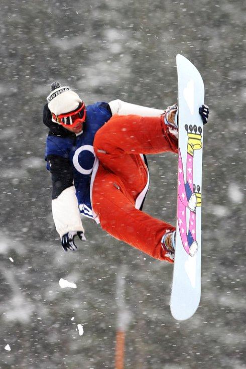 Po roční odmlce se opět konají největší freestylové snowboardové závody v České republice. Tříhvězdičkový TTR contest Quiksilver Snowjam O2 Snowboard Tour  v Peci pod Sněžkou. Tomáš Král z CZE.