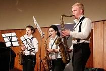 Koncert Střezina GALA hudebního oboru hradecké ZUŠ v přednáškovém sále Muzea východních Čech.