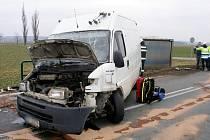 Vážná dopravní nehoda na silnici I/11 u Roudnice.