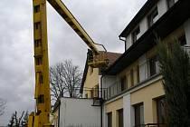 Zabezpečení střechy na budově Domova důchodců v Humburkách