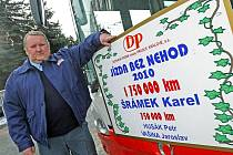 Dopravní podnik ocenil 17. prosince další tři rytíře silnic, kteří ujeli za volantem autobusu nebo trolejbusu vysoký počet kilometrů bez nehody