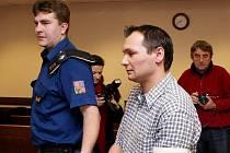 Soud s Františkem Horvátem, obžalovaným ze znásilnění a šíření pornografie.