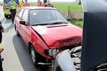 Dopravní nehoda dvou osobních vozidel mezi Černilovem a Libřicemi.