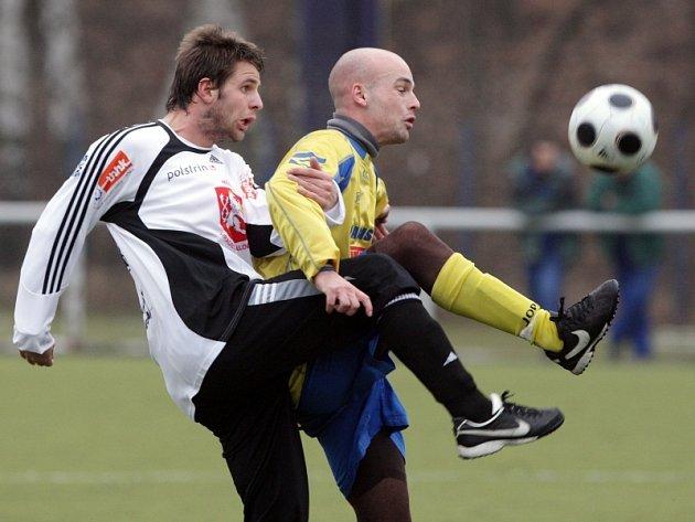 Přípravný duel FC Hradec (černobílé dresy) - Varnsdorf