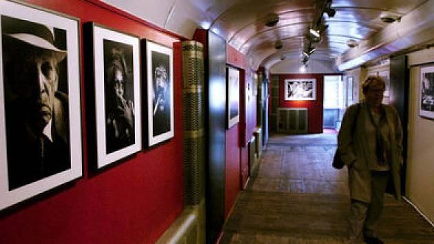 Galerijní vlak se na pár dní zastavil