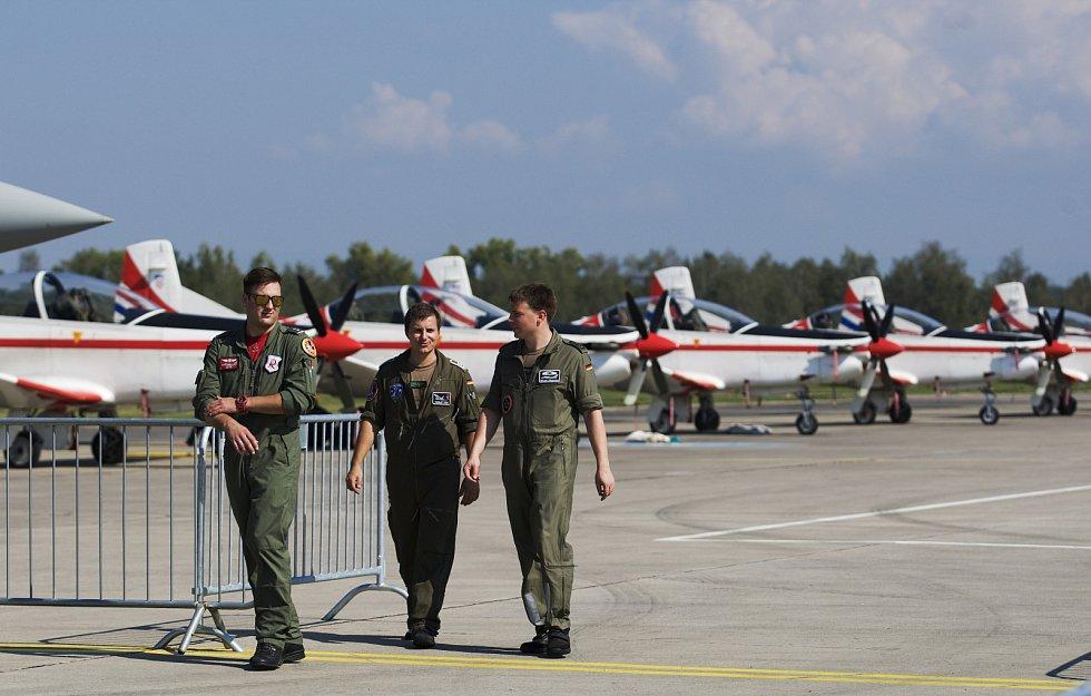 Z průběhu letecké přehlídky CIAF v Hradci Králové.
