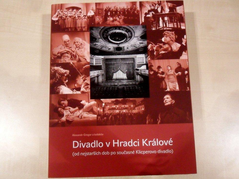 Křest publikace věnované královéhradecké činohře s názvem Divadlo v Hradci Králové (od nejstarších dob po současné Klicperovo divadlo) v městské knihovně.