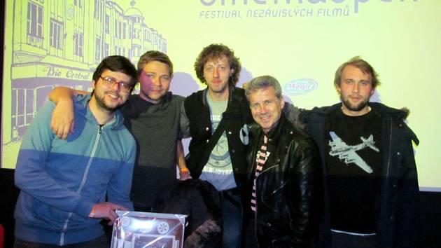 Festival nezávislých filmů Cinema Open v královéhradeckém kině Bio Central - Andy Fehu s týmem k filmu Nenasytná Tiffany.