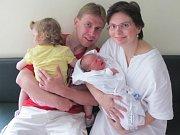 ANEŽKA NETOLICKÁ se narodila 17. července v 9.48 hodin. Měřila 48 cm a vážila 3350 g. Velkou radost udělala rodičům Daně a Tomáši Netolickým ze Srní. Doma se těší sestřička Eliška.
