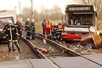 Tragická dohra srážky vlaku a autobusu MHD v roce 2003 - zemřeli tehdy čtyři lidé.
